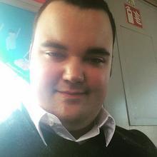 Misiello mężczyzna Pruszcz Gdański -  Nie można ubrać osoby w kalki słowne.