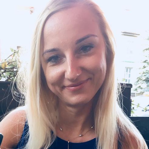 Mczyni, Peczyce, zachodniopomorskie, Polska, 18-34 lat