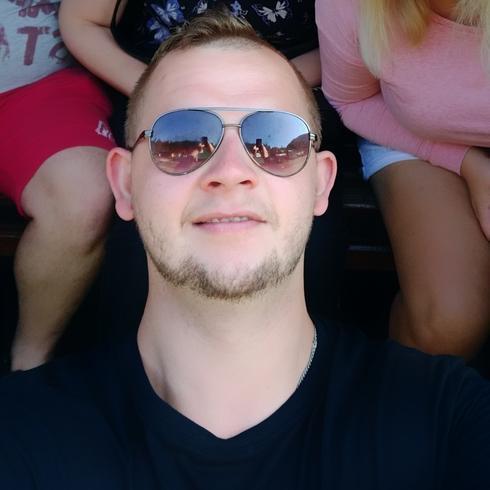 Mateusz2199 Mężczyzna Ząbki - Codziennie Być lepszą wersją siebie :)