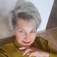 Modnapani kobieta Pasłęk -  Marzycielką, ale w realnym świecie.