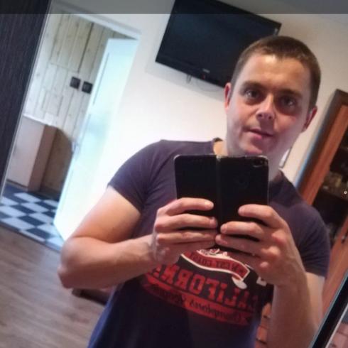 Rafal2222 Mężczyzna Jasło - Żyję pełnią życia.