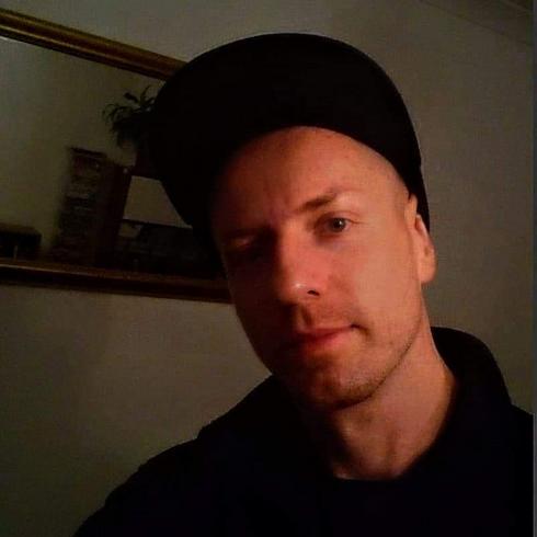 Dominiko83 Mężczyzna Drzewica - Time is a flat circle