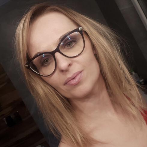 Kobiety, Wieruszw, dolnolskie, Polska, 15-25 lat   mcemergencyservices.org
