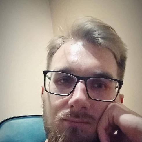 Wieloryb. Nowy singiel Sosnowskiego pomaga w - Suwaki24