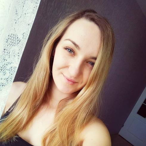 MelanieTDoherty Kobieta Frombork -