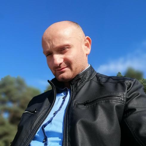 Italiano2020 Mężczyzna Borne Sulinowo - Byłbym nikim gdybym nie ulepszał świata.