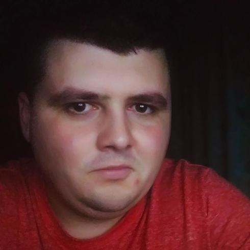 Azyl Na Jurze, profil w serwisie vemale.club