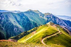 W góry