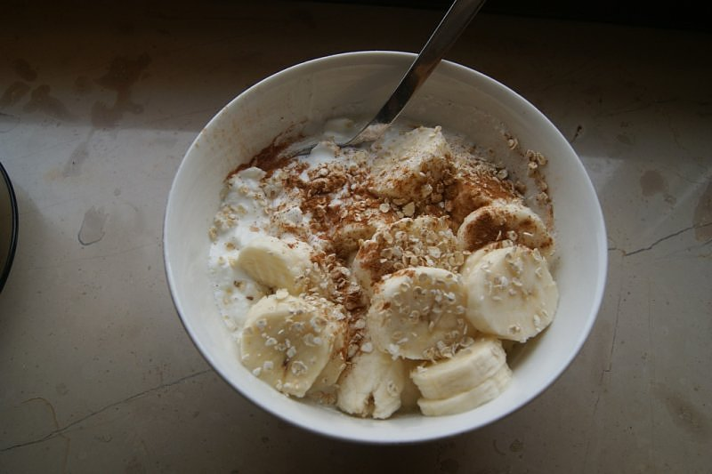 jogurt-naturalny-z-bananem.jpg
