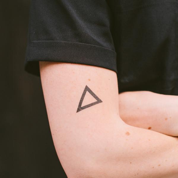 Co Oznacza Tatuaż Trójkąt Zapytajonetpl