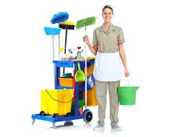 sprzątanie domu, szykowanie do stołu