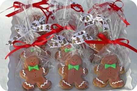 tray-of-bagged-gingerbread-men-cookies_edited-1-450x300.jpg