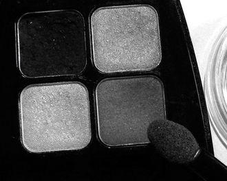 czarne-cienie-330.jpeg