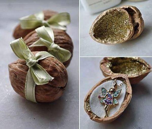 Walnut-Christmas-Gift-Decoration.jpg
