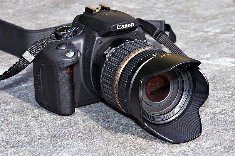 800px-Canon_EOS_350D_front_%28aka%29.jpg