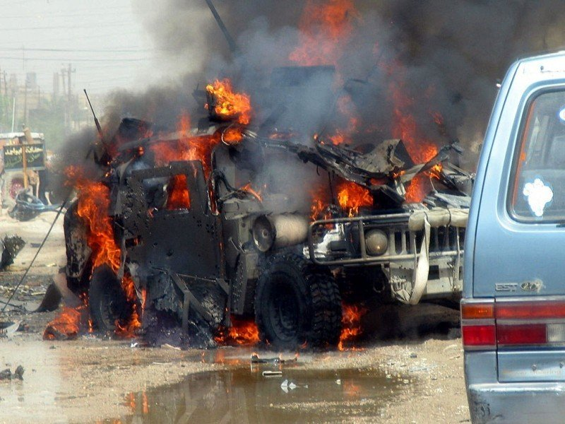us-army-humvee-attacked.jpg