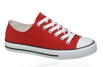 8eb433db6ab58 Czy te buty wziąść lepiej na w-f czy do szkoły . ? - Zapytaj.onet.pl -