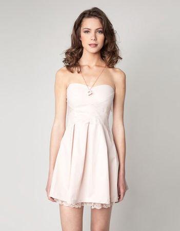 27ba8fe817dce Kupiłam sukienkę na bal gimnazjalny, jednak nie wiem, co do niej założyć.  Proszę o jakieś porady :)