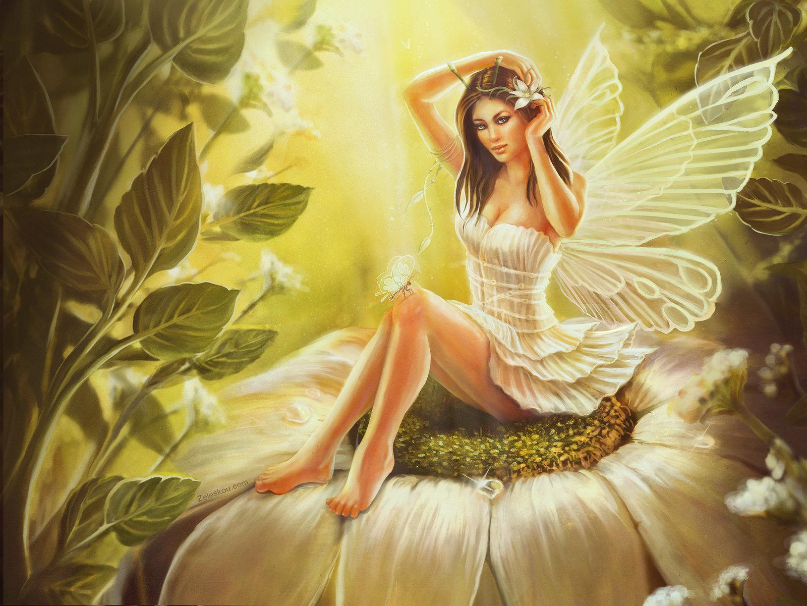 malutką wróżką w pięknym lesie na kwiatowej polanie,która ma magiczny złoty pył na skrzydłach