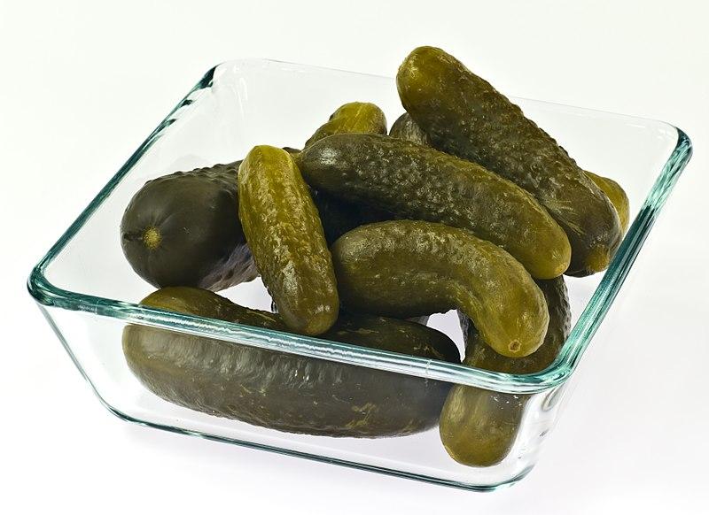 800px-Polish_style_pickled_cucumbers_IMGP0413.jpg