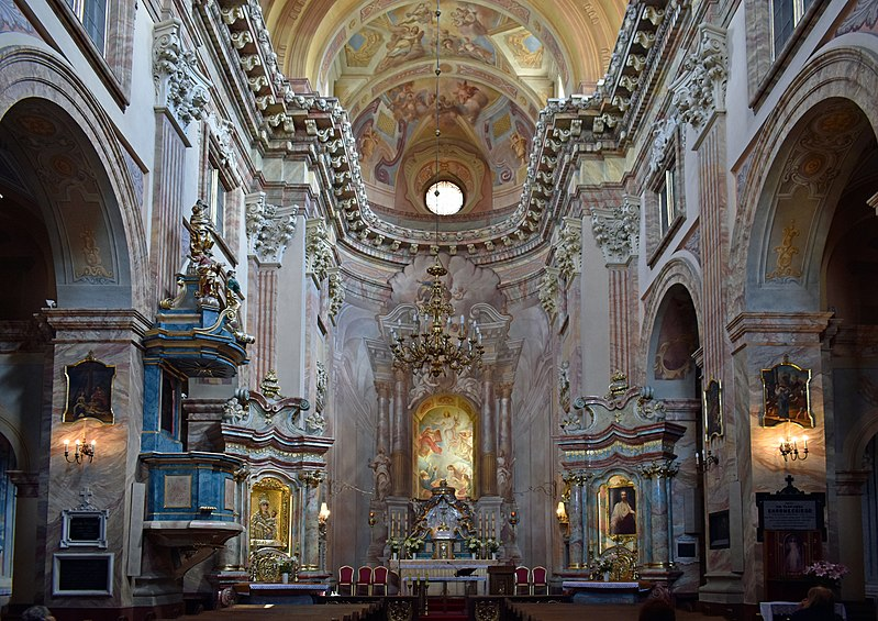 800px-Church_of_the_Transfiguration_of_Our_Lord_%28interior%29%2C_2_Pijarska_street%2C_Old_Town%2C_Krakow%2C_Poland.jpg