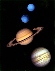 220px-Gas_giants_in_the_solar_system.jpg