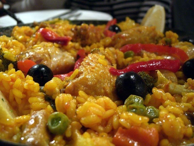 chicken-paella-close-up-colmao-flamenco.jpg