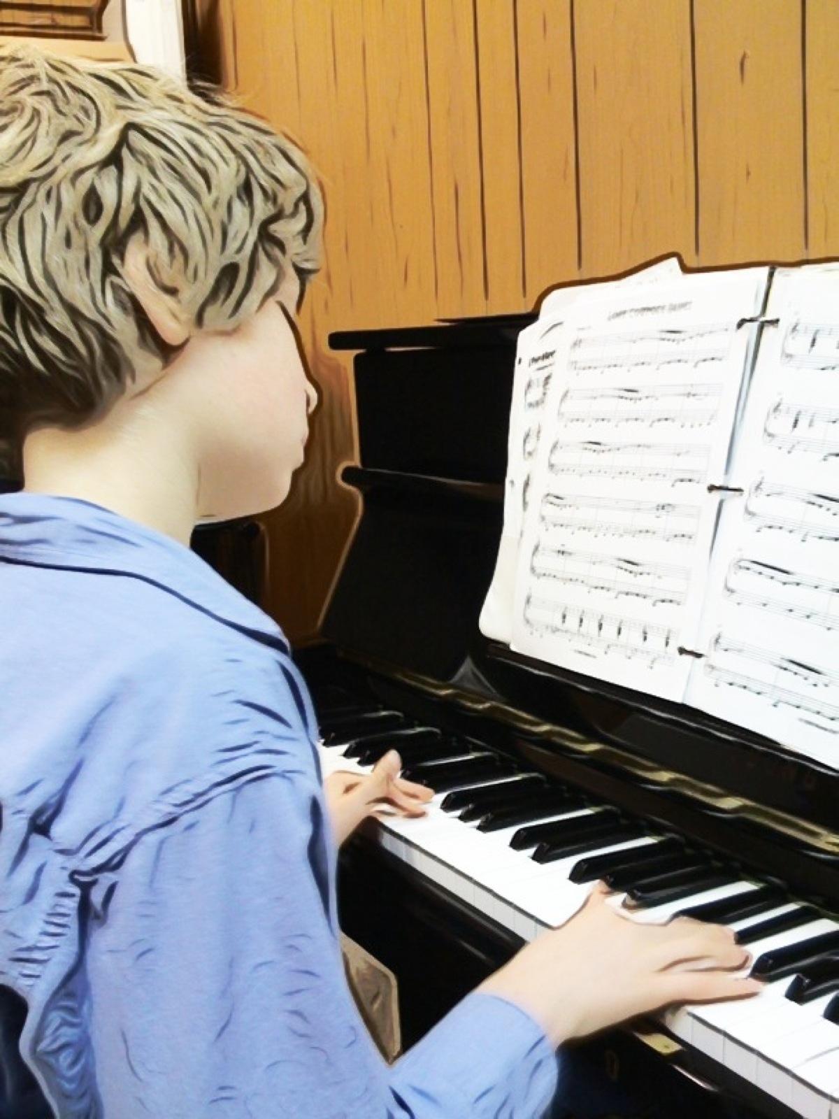 rocket-piano-child.jpg