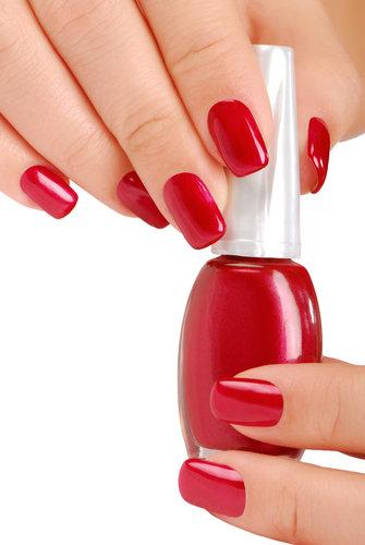 czerwony+lakier+do+paznokci.jpg