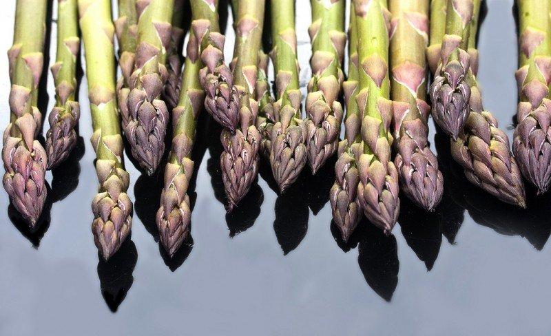 raw-asparagus.jpg