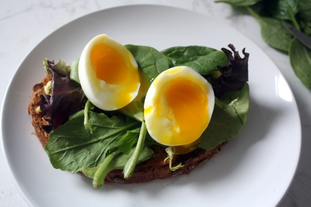 sandwich-con-uova-alla-coque.jpg
