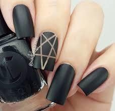 Czarne pazurki mocy >:D