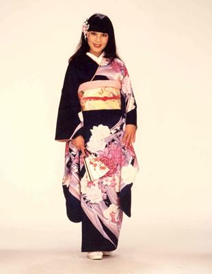 kimono_r_large.jpg