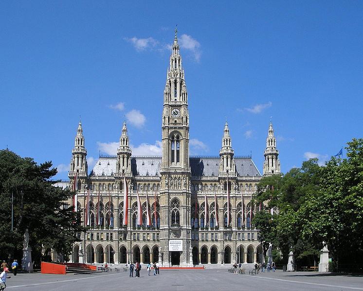 746px-Rathaus_Vienna_June_2006_165.jpg