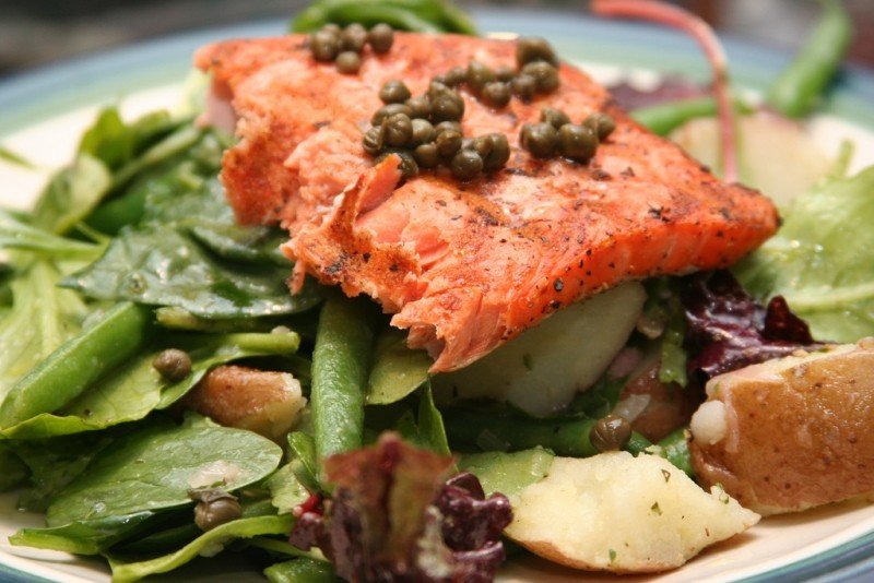 salmon-salad-nicoise-what-a-twist.jpg