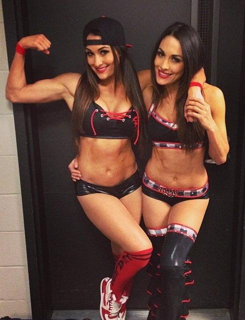 Bella Twins FanClub