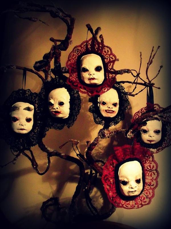 spooky-Halloween-tree-decorations-halloween-creepy-dolls.jpg