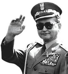 Generał Wojciech Jaruzelski Polske zbawił