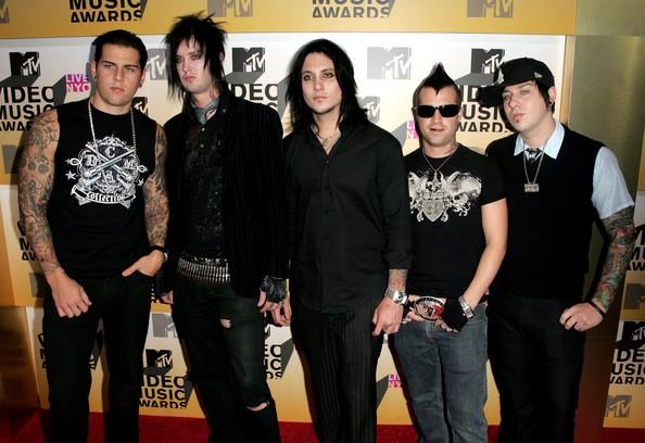 Shadows+Johnny+Christ+2006+MTV+Video+Music+XKBRmOkGG0Ol.jpg