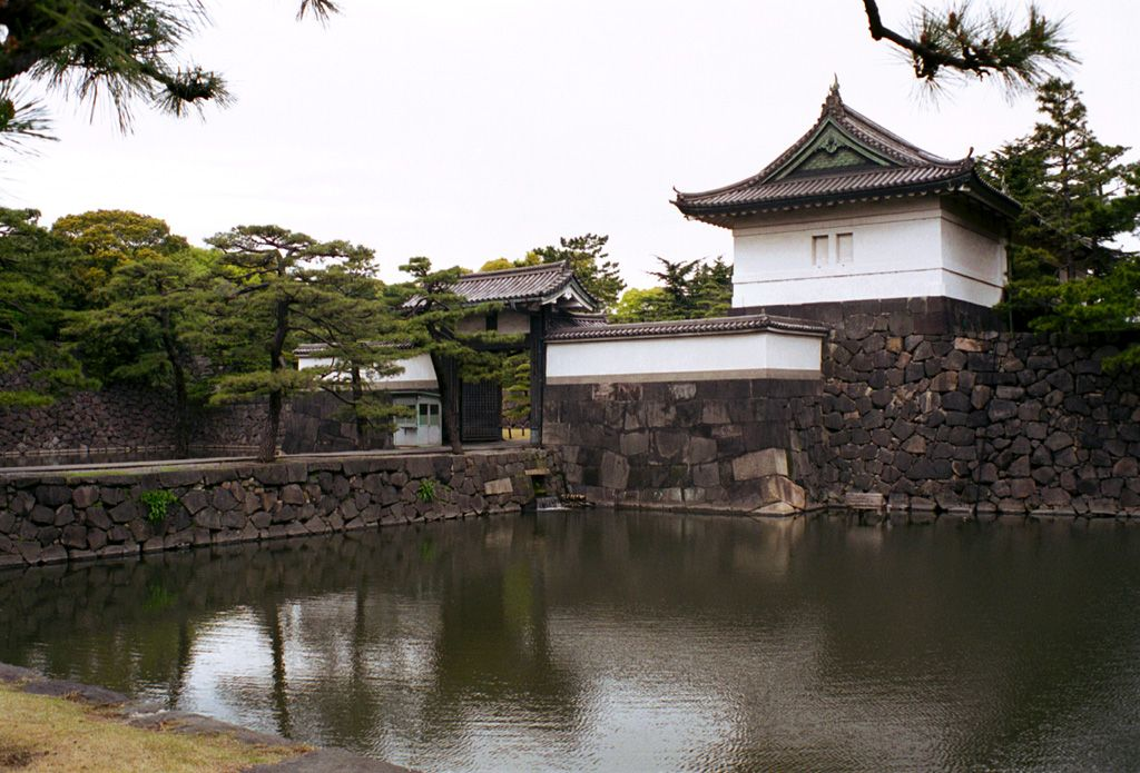 676_Tokyo-Imperial-Palace.jpg