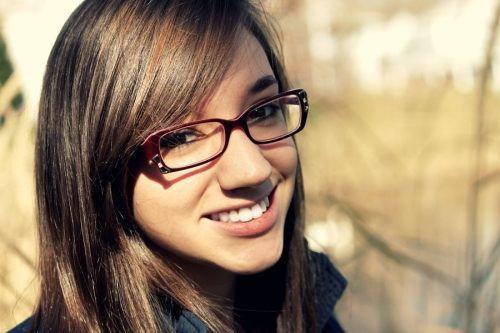 Czy uważasz, że dziewczyny w okularach są mniej atrakcyjne