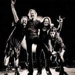 Członek rockowego zespołu typu Ac Dc, Guns' n Roses, Metalica, Sabaton. (na zdj. Metalica)