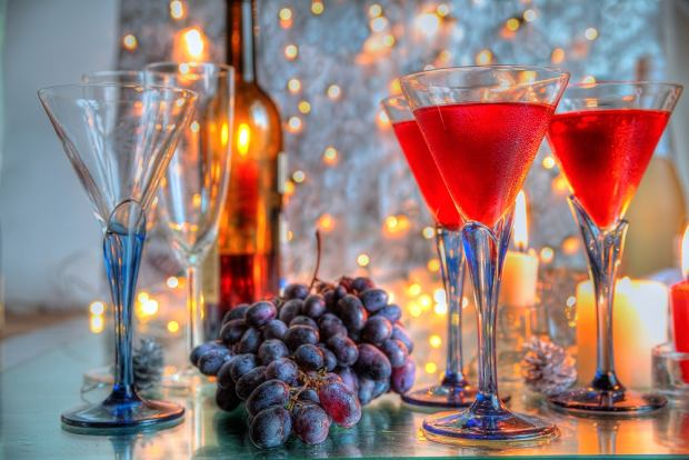 z10876173Q,hiszpania--nowy-rok--sylwester--winogrona--wino.jpg