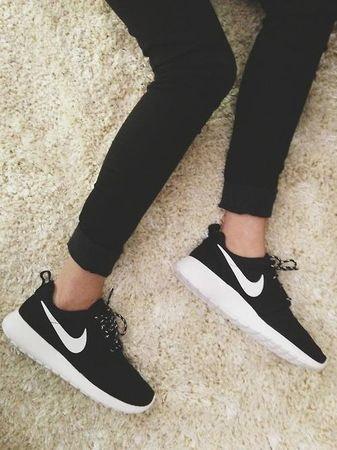 outlet na sprzedaż tania wyprzedaż usa autoryzowana strona Na jakiej stronie kupie Nike Roshe run koniecznie czarno ...