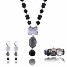 Komplet biżuterii z kryształkami: naszyjnik, bransoletka i kolczyki