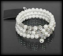 Bransoletka z białych pereł i kryształków