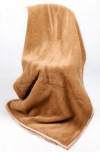 Ciepły koc z wełny Camel 3D
