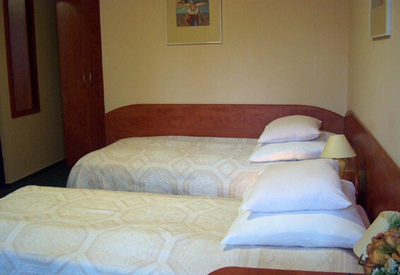 noclegi - Hotel Ufo zdjęcie 2