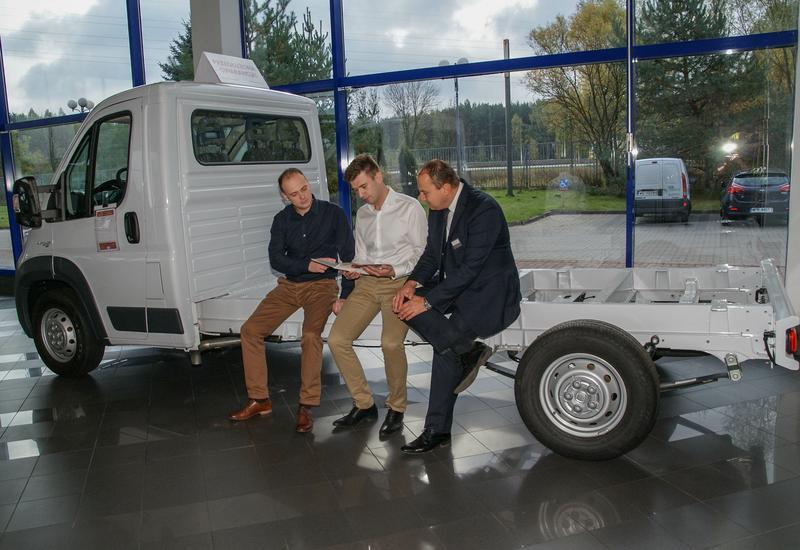 lakiernia - Uni-Truck - Autoryzowany ... zdjęcie 2
