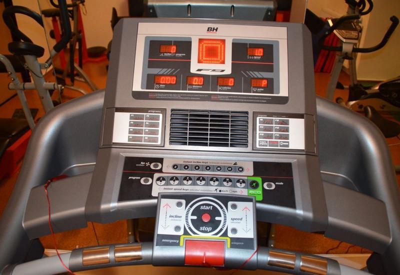 elektoterapia - SPORT & MED Centrum Fitne... zdjęcie 2